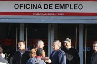 Los españoles, acongojados con el paro como nunca antes