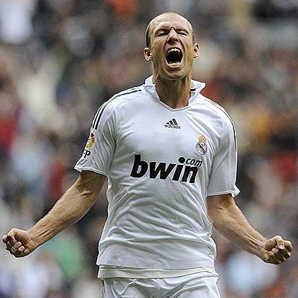 El Real Madrid saca adelante la tarea
