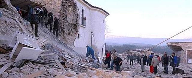 Al menos 50 muertos y miles de afectados por el terremoto en el centro de Italia