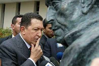 """Hugo Chávez """"resucita"""" el Correo del Orinoco, el diario creado por Simón Bolívar"""