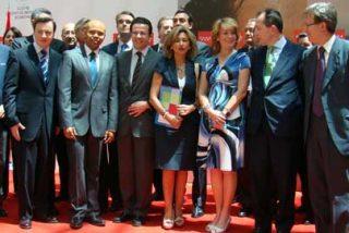 Esperanza Aguirre acuerda con 31 entidades de Abogacía enseñar las leyes españolas a los inmigrantes