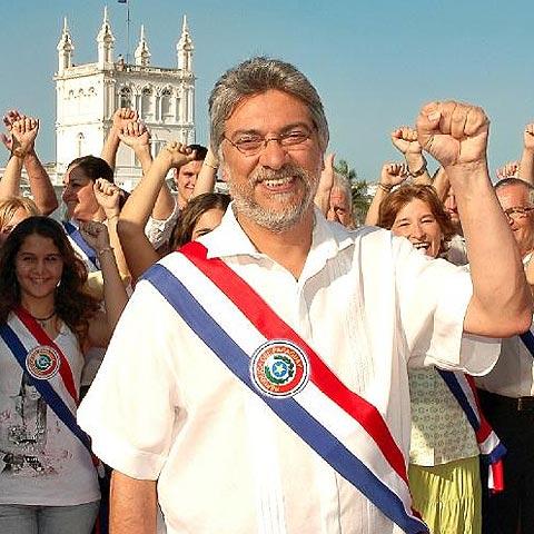 El harén del ex obispo que es ahora presidente del Paraguay