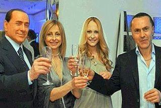 Berlusconi culpa a la prensa y a la izquierda de la ruptura de su matrimonio