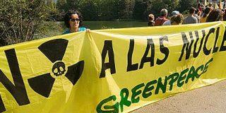 """Greenpeace denuncia """"una posible fuga nuclear"""" en la central de Garoña, en Burgos"""
