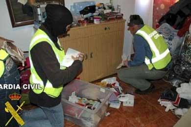 Desarticulan una red que se dedicaba a estafar a inmigrantes en Guadalajara