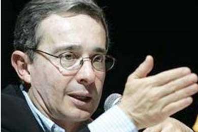 Uribe ratifica recompensa de US$ 2 millones para quienes faciliten captura de líderes de las Farc