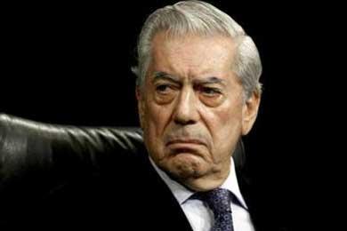 Vargas Llosa se emociona al volver a Piura, escenario de varias de sus obras