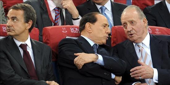 Berlusconi culpa a su esposa, a Kaká y a su amiga Noemi de sus resultados electorales