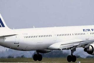Un avión de Air France que viajaba de Brasil a París con más de 200 pasajeros desaparece del radar