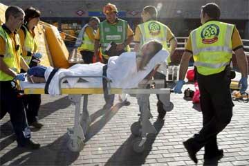 Casi 60 heridos en el choque de dos cercanías en Madrid
