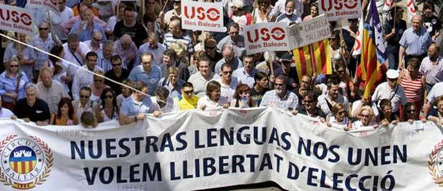 Una marea humana exige libertad lingüística en Baleares