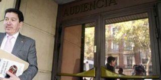 """El alcalde de IU que llamó al Rey """"corrupto"""" e """"hijo de un crápula"""", en el banquillo"""