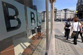 Hasta 27 ejecutivos de la BBC ganan más que el primer ministro