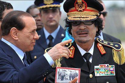 """Gaddafi: """"La mujer en el mundo islámico es como un mueble"""""""