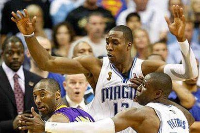 Kobe se desquicia, Orlando gana a los Lakers y se aprieta la final de la NBA