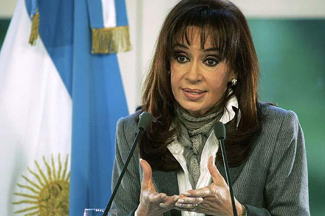 Cristina Kirchner descarta cambiar el gobierno pese a la humillante derrota electoral