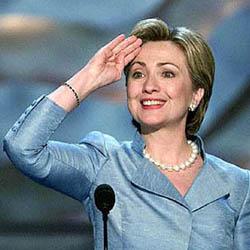 Hillary Clinton se rompe un codo como consecuencia de una caída