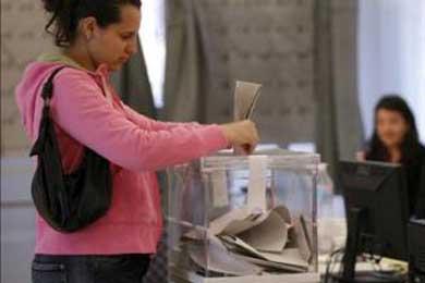 Los miembros de Batzarre cedieron en Navarra su voto a inmigrantes