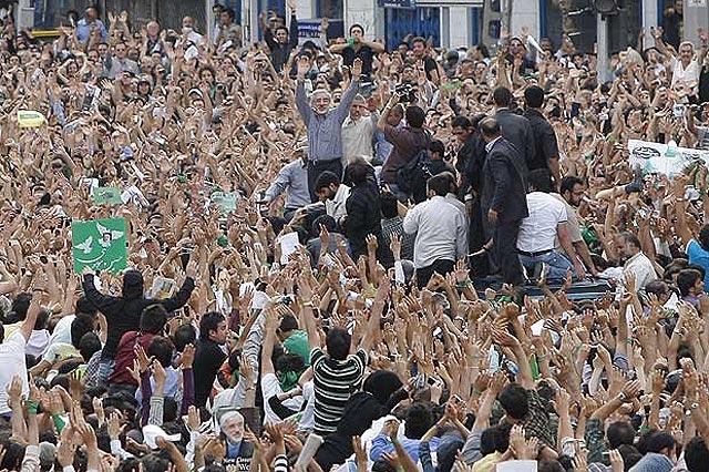 Al menos siete muertos tras la reaparición de Musavi y la marcha contra Ahmadineyad