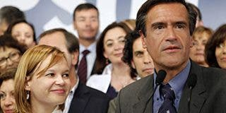 "Zapatero, ""políticamente responsable"" de la derrota, sigue sin atreverse a aparecer"