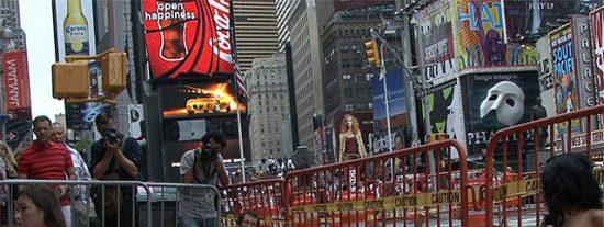 Desnudos en Times Square contra los Sanfermines