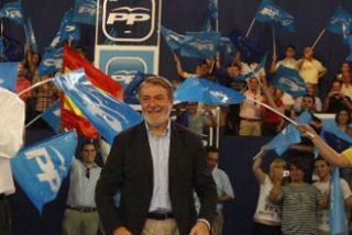 Rajoy y Mayor Oreja en un mitín