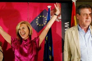 """Rosa Díez: """"Vamos a pedir el cese de la directora del CIS: no se puede manipular de forma tan grosera"""""""