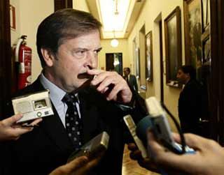 El jefe de los espías ocultó a Chacón la dimisión de la cúpula antiterrorista del CNI