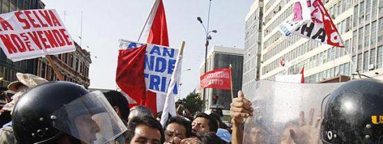 Las protestas de los indígenas de la selva peruana llegan a Lima