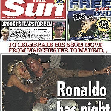 Y Cristiano Ronaldo celebró su fichaje corriéndose una juerga con París Hilton