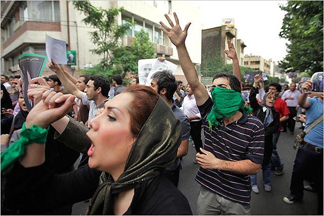 Los ayatolás detienen en Irán a un centenar de opositores reformistas