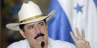 El presidente Zelaya se la envaina y restituye a Vásquez como jefe de las FFAA de Honduras