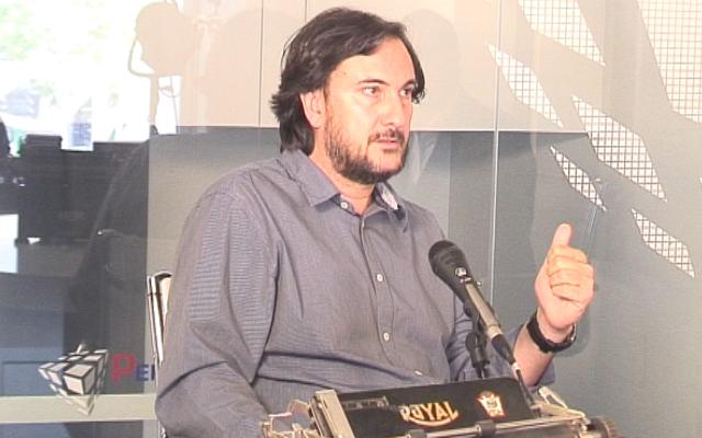 """José María Zavala: """"Franco y su padre no podían ni verse"""""""