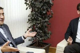 Patxi López traiciona a Basagoiti en la Diputación de Álava
