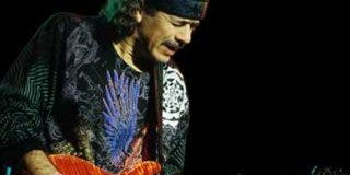 Fan intenta robar la guitarra de Santana en Alemania