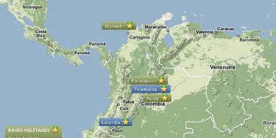 El presidente Uribe ultima el acuerdo para autorizar operaciones militares de EEUU en Colombia