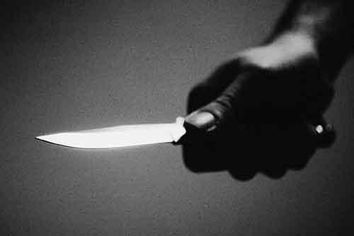 Tres heridos por arma blanca en una reyerta entre un millar de gitanos y nigerianos