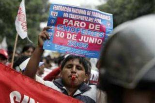 Organizan foro sobre la crisis económica y su repercusión en Perú