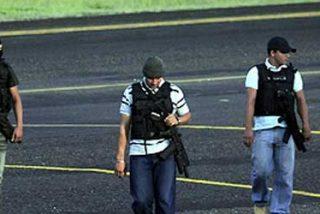 Honduras deniega la entrada a Zelaya mientras se registra el primer muerto