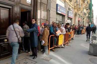 Una agencia de viajes estafa a cientos de inmigrantes marroquíes