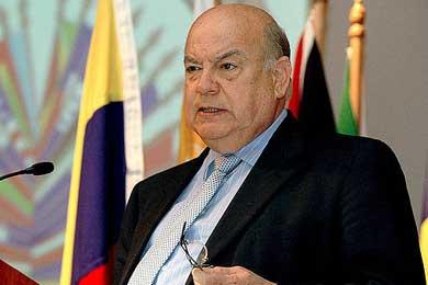 """Insulza lamenta la """"intransigencia"""" de las partes en las conversaciones de Honduras"""