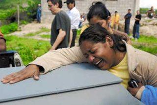Dolor en sepelio de seguidor de Zelaya abatido a tiros en Honduras