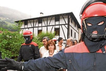 """Regina Otaola: """"Si desalojan ya a ANV de los ayuntamientos, igual me creo que están intentando derrotar a ETA"""""""