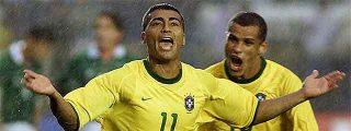 La policía arresta al futbolista Romário por no pagar la pensión de sus hijos