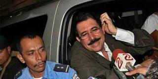 """Zelaya monta su """"circo"""" en la frontera, pero no entra en Honduras por temor a ser detenido"""