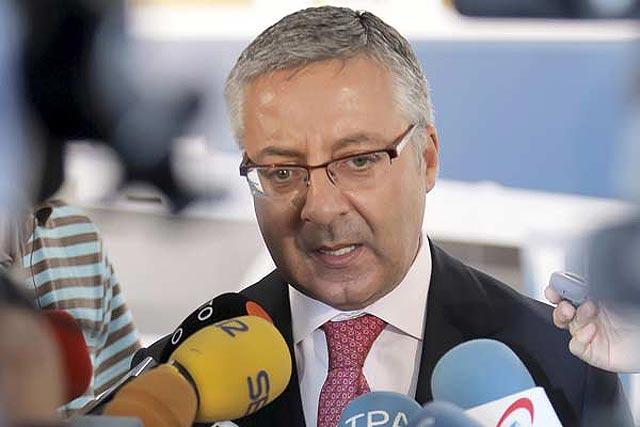 """Ya no hay dinero en caja y José Blanco quiere subir los impuestos """"a los ricos"""""""