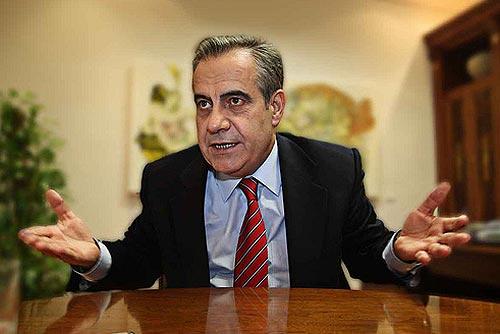 "El ministro Corbacho culpa a la ""avaricia financiera"" de la crisis del ladrillo"
