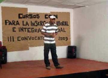 Casa de los Inmigrantes-KOIN ofrece formación e iniciativas comunitarias para la crisis