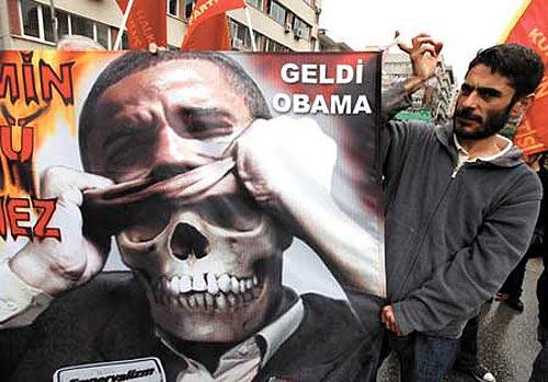 A pesar de los gestos de Obama, los musulmanes siguen odiando a EEUU