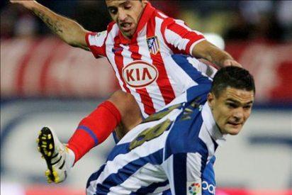 El Kun vuelve a dar vida al Atlético